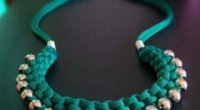 Як створити кольє своїми руками: з бісеру, тканини, стрічок і каменів