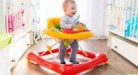 Ходунки для дитини – види, переваги та недоліки