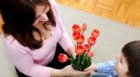 Як порадувати маму без приводу: ідеї та поради