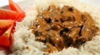 Смачна страва з яловичини: приготування «Бефстроганова» з яловичини