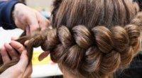 Як заплести косу навколо голови?