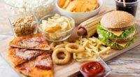 Що не можна їсти вагітним в першому триместрі?