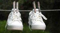 Як позбутися від неприємного запаху взуття