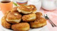 Смажені пиріжки на кефірі з повітряного тіста