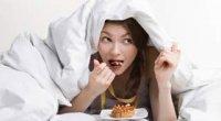 Вогні нічного голоду. Як відвикнути їсти на ніч?