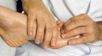 Що робити при ударі пальця на нозі: практичні поради
