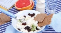 Сир на сніданок: кілька варіантів смачних страв
