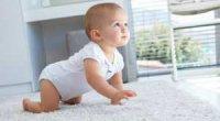 Коли і як навчити дитину повзати