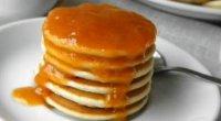 Оладки на кислому молоці з содою, дріжджами, яйцями і без яєць