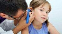 Як самостійно прибрати сірчану пробку з вуха?