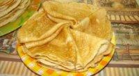 Млинці на дріжджах: рецепт для товстих і пишних на кефірі, кисляку або молоці