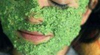 У гонитві за ідеальною шкірою: вчимося робити маски з петрушки від пігментних плям