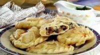 Вареники з картоплею і грибами – перевірені рецепти для вашого столу