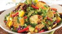 Салат з курячою печінкою та грибами: смачно, ситно і недорого