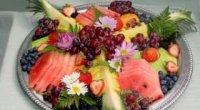 Як оригінально прикрасити фруктові нарізки