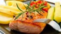 Лосось смажений на сковороді – страва, що тане в роті