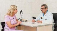 Які симптоми анальної тріщини і які методи її лікування існують