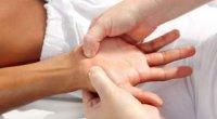 Набрякають руки: можливі причини