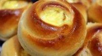 Булочки з сиром з дріжджового тіста: рецепти з фото покроково