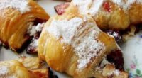 Подорожуємо до Франції: готуємо круасани з листкового тіста