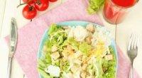 Рецепт салату «Цезар» з куркою в домашніх умовах