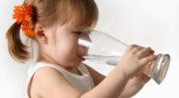 Які причини можуть викликати гикавку у дитини і як боротися з неприємним явищем?