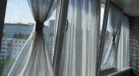Як підібрати штори на кухню і зал з балконом