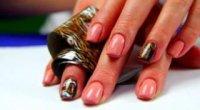 Оригінальний дизайн нігтів з фольгою