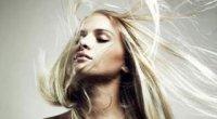 «Зв'язок з космосом». Як уникнути електризації волосся взимку?