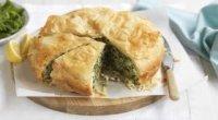 Начинка для пиріжків з рисом і яйцем і зеленою цибулею