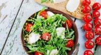 Салат з руколою: прості рецепти з фото