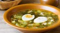 Зелений суп зі щавлем і яйцем: рецепти та методики приготування