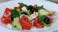 Рецепт грецького салату з сиром фета