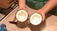 Як почистити кокос?