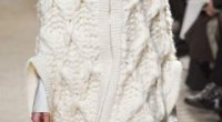 Біле в'язане пальто: схема в'язання цього одягу для дівчинки