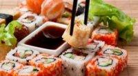 Які начинки для суші можна використовувати, а також способи їх приготування?