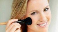 Як зробити овал обличчя досконалим за допомогою косметики