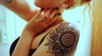 Як зробити татуювання в домашніх умовах голкою, ручкою і хною?