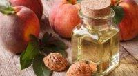 Чи можна капати персикову олію в ніс?
