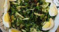 Корисний і одночасно простий салат з щавлю