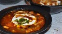 Збираємо інгредієнти для смачної страви: вчимося готувати солянку з ковбасою