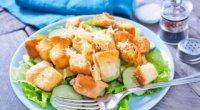 Як правильно приготувати класичний салат Цезар?