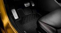 Ази керування автомобілем для початківців: вивчаємо розташування педалей