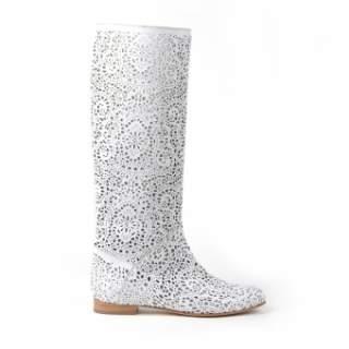 Деякі дами відмовляють собі у купівлі стильною і незвичайної взуття на літо  тому 0a24cdff17536