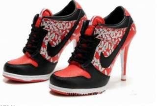 Це найпоширеніший вид кросівок з підйомом. Творчість дизайнерів не знає  меж ea72936b0fe9b