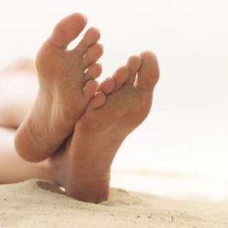 самий елементарний і популярний метод – вставити в нову взуття устілки b6e17aa41dbfa