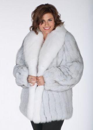 У жінки обов язково має бути кілька светрів b6ba5a18f3860