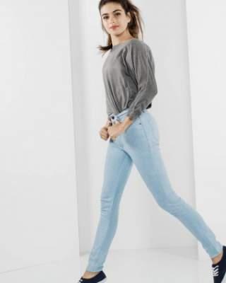 Вперше обтягуючі високі джинси стали носити військові солдати в 17 ст. 2245d7825b3e5