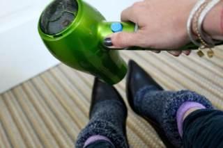 7992bc082a4978 Щоб розносити взуття і зробити її розмір трохи більше, можна зробити  наступне: