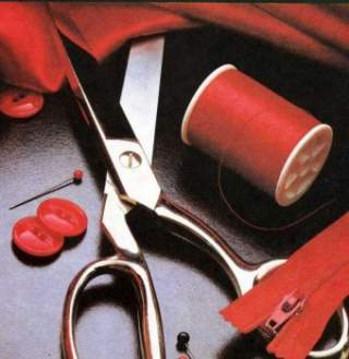 Майже будь-який одяг ви можете навчитися шити на старенькій бабусиній  швейної ручній або ножній машині. Такі вироби користуються популярністю у  початківців 2cbf204338331